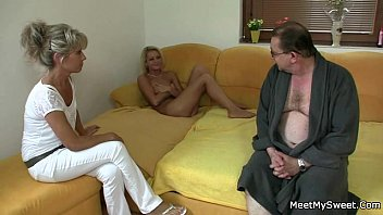 dad cock daughters suck Son cought in streptease bar