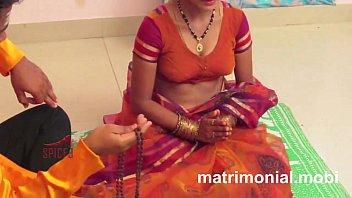 wife home house desi indian Bhabhi walk in saree