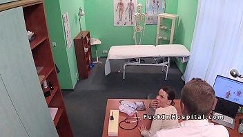 condom a doctor patient fucks with Encontre desnuda a mi hijastra