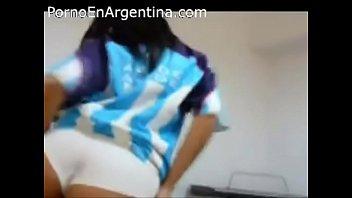 videos caseros famosas de argentina Filming mom son porn for dad