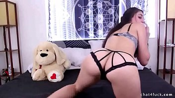 wearing brunette tattoo plays her and big pussy with tits Ias que follan