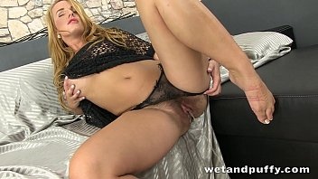 hair catfight long lesbian Cum overflowing in her mouth