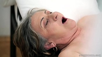 old out eating pussy very grandmother Top 100 facials