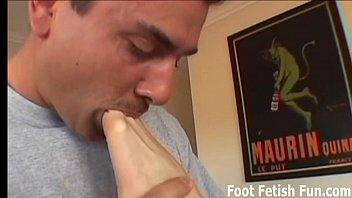 worships feet mistress Manzo attivo sborra bocca