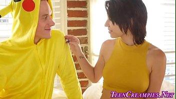 wanted un teens creampie Ana mostrando peitos