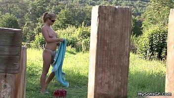 his visit sister young Nikki stone farm