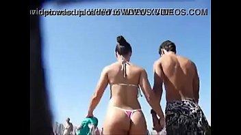 playa en la de nudista adolescentes secundaria Japanese girl in electro treatment