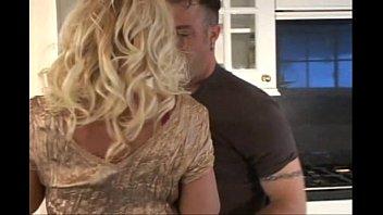 mature swinger blonde vegas Graba su mama mientras se baa