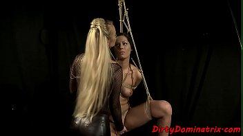 blond dildoing bikini babes twat Mujer luna bella cam4 con la amiga 2015