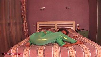 bokep ozowa maria Pervert father while daughter sleep