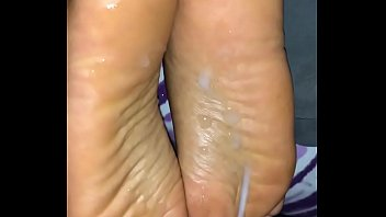 feet soles under cum 12years small girl fucked