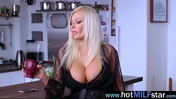 michel et margaux de jacquie Indian desi girl after bath hot scene cought by her lover indore